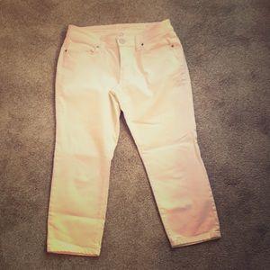 LOFT modern crop white jeans, size 8